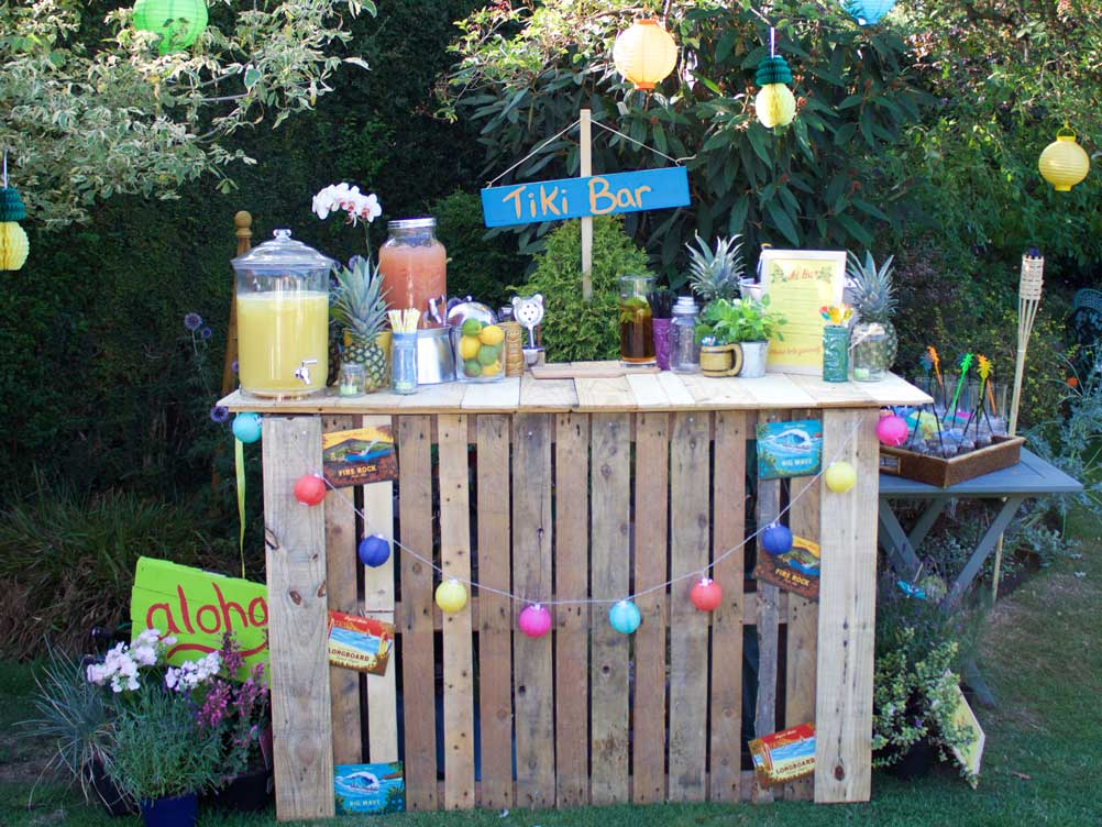Tiki Party Pallet Bar